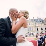 le baiser des mariés au château d'Esclimont