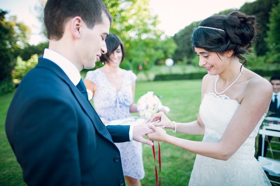 alliance mariage dans les jardins à Paris