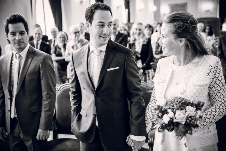 les mariés à la mairie du 15eme de Paris