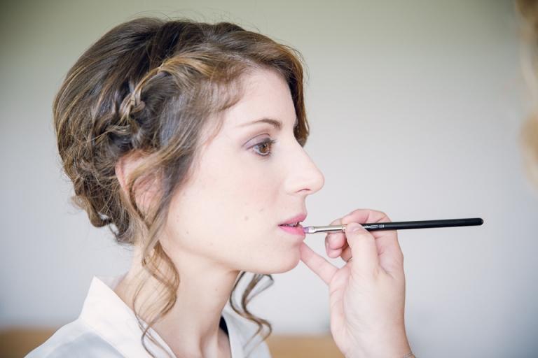 maquillage de la mariée au domaine de Montagenet
